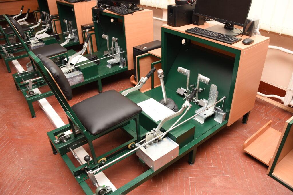 Компьютерно — механический макет органов управления механика водителя ЗСУ-23-4 «Шилка»